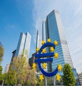 شكل احد البنوك الرئيسيه في العالم